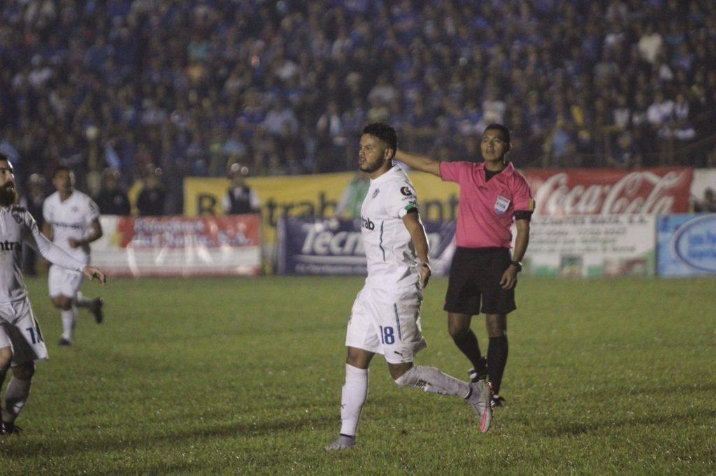 Edgar Chinchilla le da la victoria